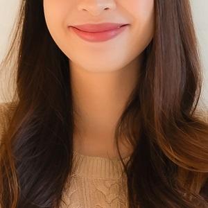 女性②笑顔